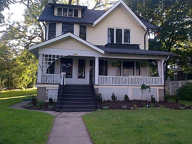 front of house - The Second White House - Niagara Falls - rentals