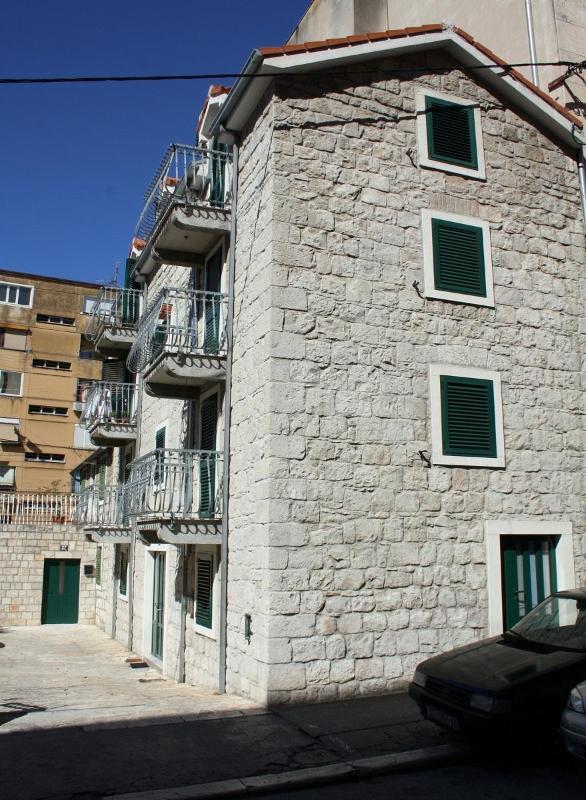 Split center apartment 3 just 3 min away from sea - Image 1 - Split - rentals