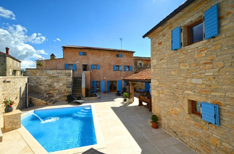 Restored old Istrian villa with heated private pool and wine cellar - Image 1 - Barat - rentals