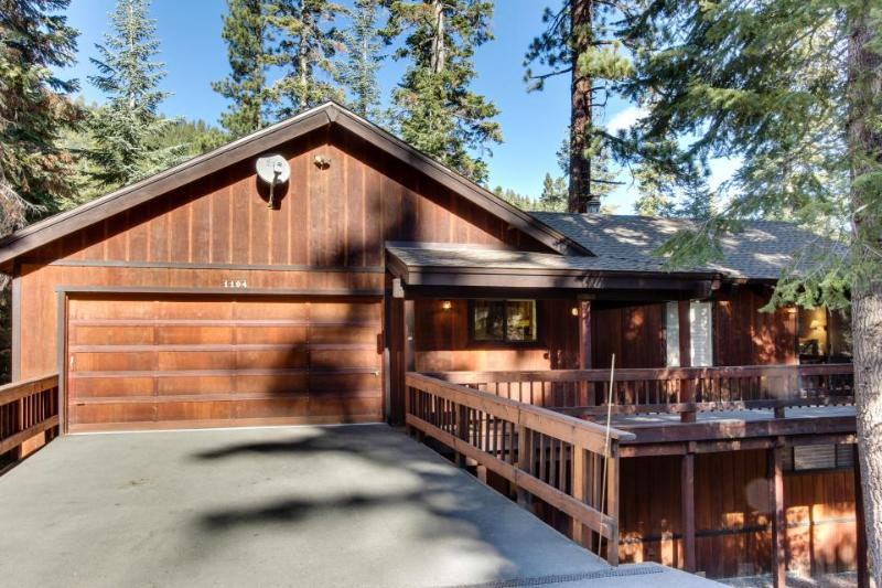 Huge home with private hot tub, pool table, space for 16! - Image 1 - Tahoe Vista - rentals