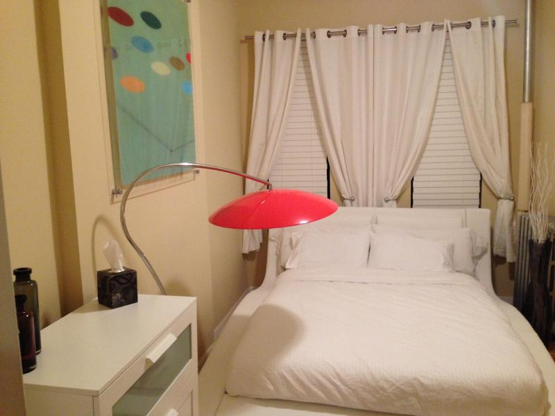 Bright, Stylish Harlem 2 BR minutes fr Times Sq - Image 1 - New York City - rentals