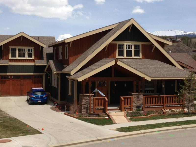 Beautiful Craftsman style mountain home 5 bedrooms, 4.5 bathrooms - Beautiful 5 BR craftsman style  home in Grand Park - Fraser - rentals