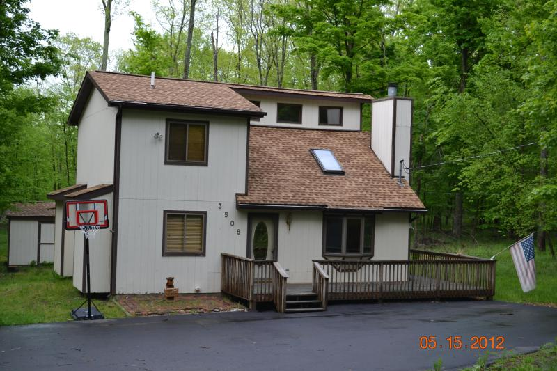 Hideout Home - Great Hideout Home with Pool Table - Lake Ariel - rentals