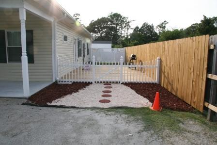 Entrance - Moonlight Lake Get-away Suite - New Bern - rentals