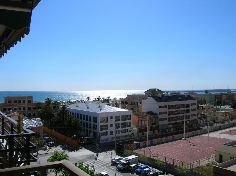 Amazing views! Apartment in Malvarrosa's Beach - Image 1 - Valencia - rentals