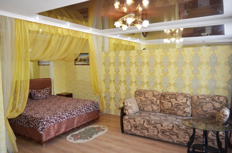 Kherson studio appartment in the center - Image 1 - Kherson - rentals