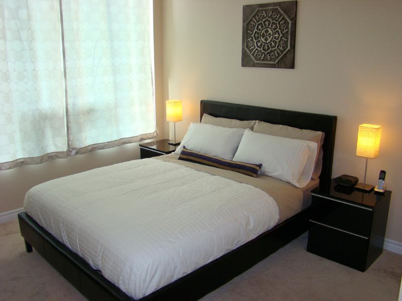 Master bedroom - New 2 Bedroom Executive Suite - Mississauga - rentals