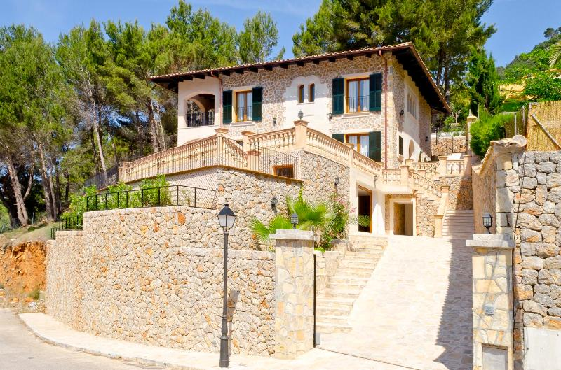 Chalet Majestic - Image 1 - Valldemossa - rentals