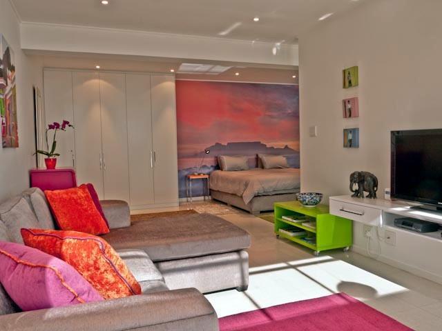 Apartment - 121 Ocean View Drive STUDIO APARTMENT, Green Point - Cape Town - rentals