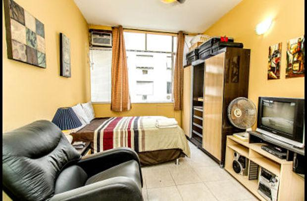 RioBeachRentals - Upgraded Studio Near Beach #105B - Image 1 - Copacabana - rentals