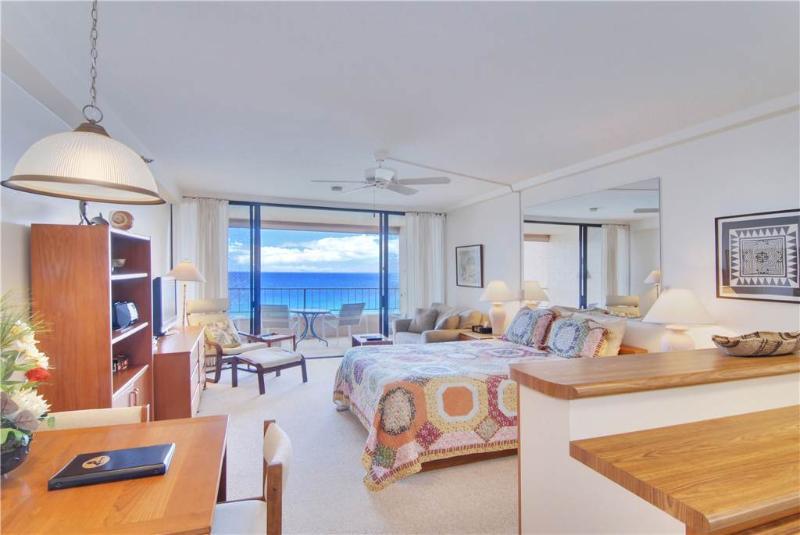 Maui Kai #706, Oceanfront Studio - Image 1 - Ka'anapali - rentals