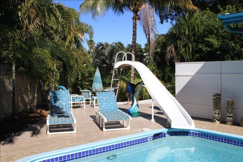 Pool with Slide - Fun waterfront pool house - Fort Lauderdale - rentals