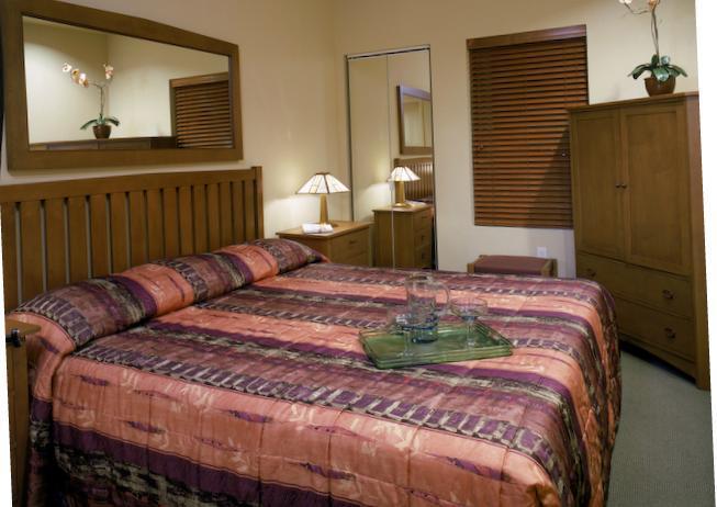 Each bedroom has private bath, shower and jacuzzi tub - Cancun Resort on Las Vegas, 2 bedrooms - Las Vegas - rentals