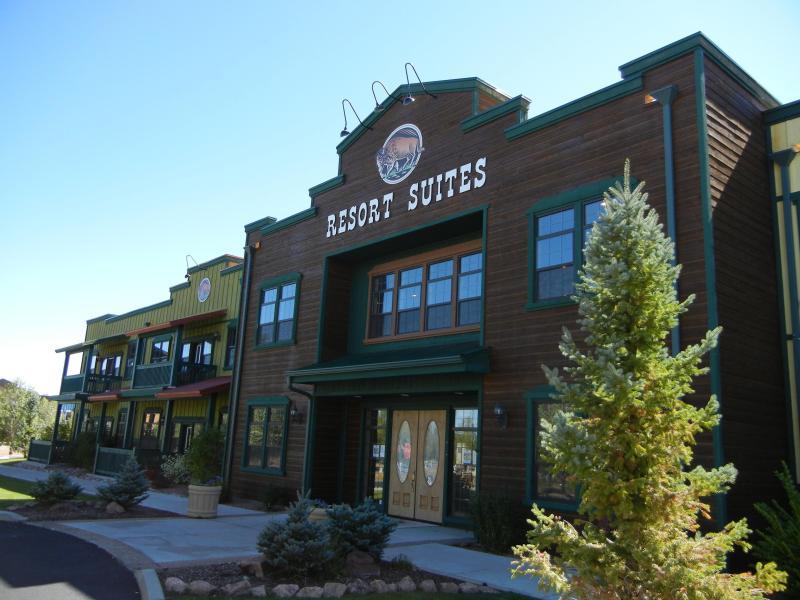 Bison Resort Suites in Bison Ranch Vacation Community - Unique Vacation Community-Amenities-Shops-Dinning - Overgaard - rentals