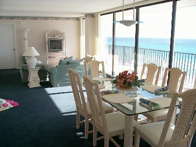 """Large comfortable, living dining area - LOW MAY RATES:Huge 2Br 60"""" of GLASS w/beach set-up - Panama City Beach - rentals"""