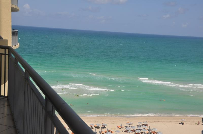 Beautiful apt in Sunny Isles, right on the Beach! - Image 1 - Sunny Isles Beach - rentals