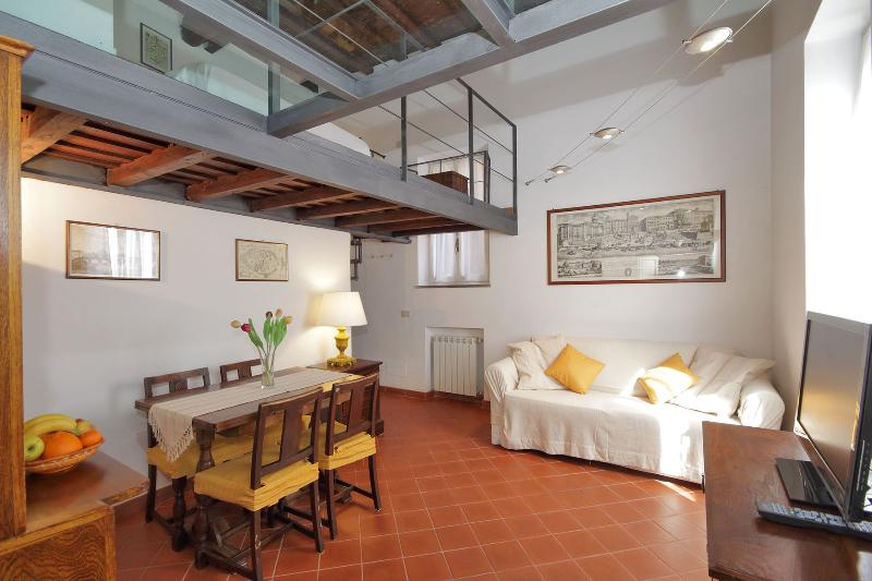 Living Room - Central but Quiet Ancient Trastevere - Rome - rentals