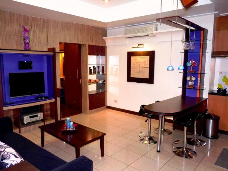 Living Area - 1 BR Robinson's Place Residences - RPR 06 - Manila - rentals