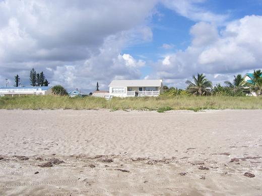 Sea Sparkle Suites Direct Oceanfront Rentals - Direct Beachfront Tropical Retreat Sea Sparkle 3 - Hutchinson Island - rentals