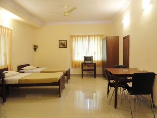 NON-A/C STUDIO ROOM - TULIPS HOMESTAY : NON-A/C DELUXE STUDIO ROOM, B1 - Mysore - rentals