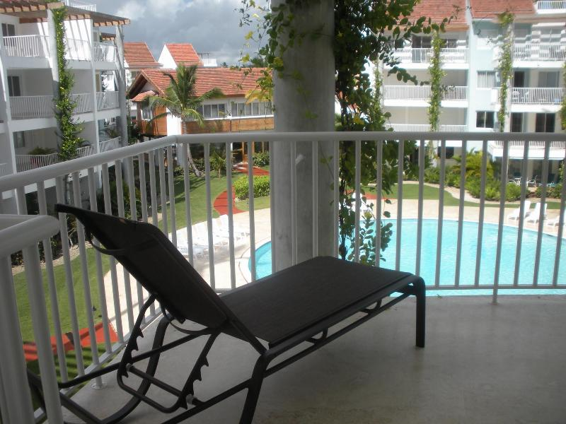 Playa Turquesa Pool View 1BR Condo with Grill&Wifi - Image 1 - Punta Cana - rentals
