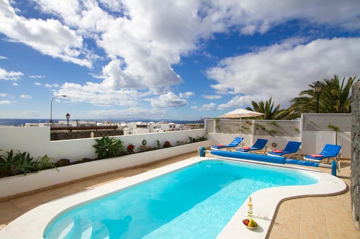 Lisa - Image 1 - Puerto Del Carmen - rentals