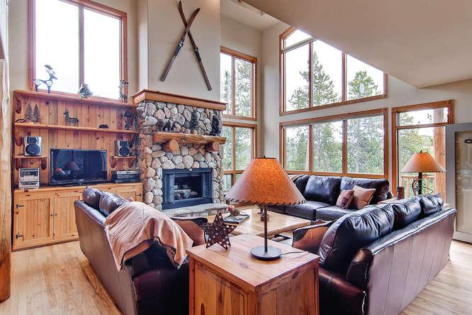 His High Place - ski access, hot tub, great views - Image 1 - Breckenridge - rentals