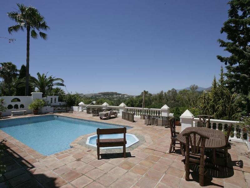Aloha Golf Villa - Image 1 - Marbella - rentals