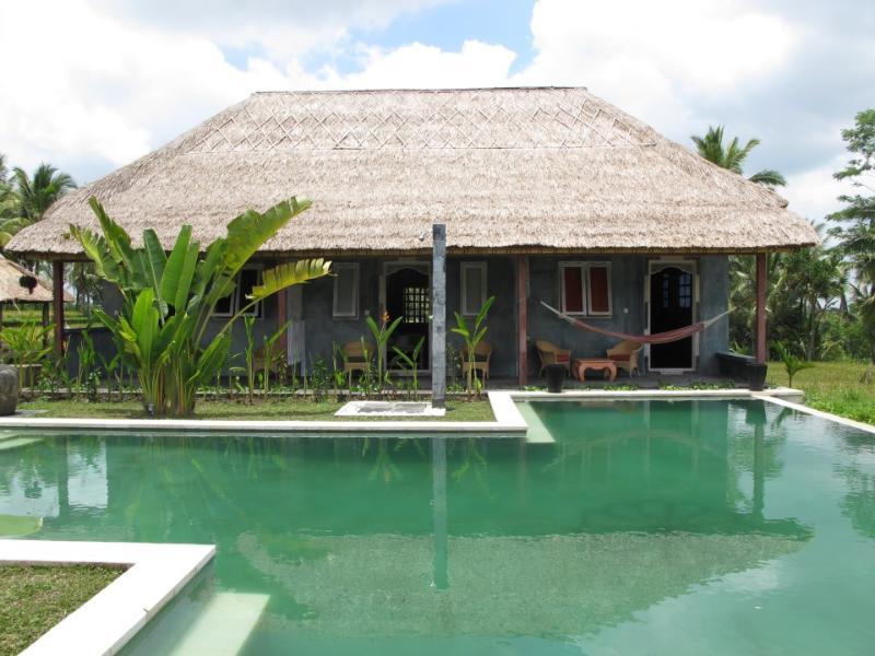House of yellow, orange and white rooms - Tanah Cinta Standard Rooms - Karang Bolong - rentals