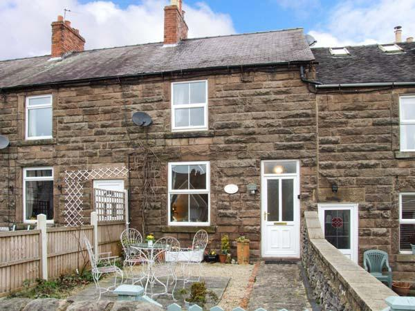 4 ECCLESBOURNE COTTAGES, family and pet-friendly, roll-top bath, walks and cycle routes nearby, in Wirksworth, Ref 25544 - Image 1 - Wirksworth - rentals