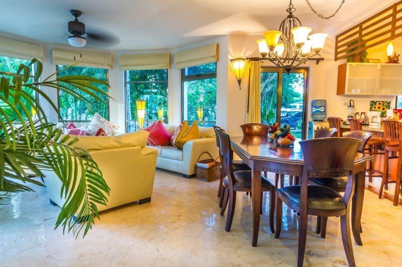 Open Floor plan home directly off of the Huge Pool! - Image 1 - Playa del Carmen - rentals