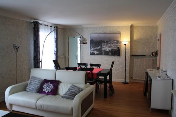 Right in the Marais 5 guests-Filles du Calvair - Image 1 - Paris - rentals