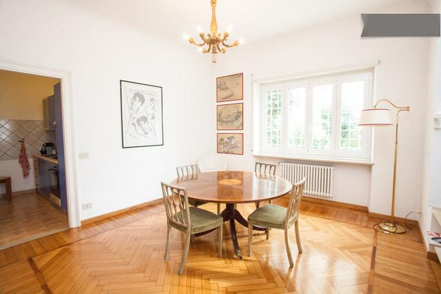 An intimate, quiet and generous living room for romantic dinners and to ease your stay. - Lovely Holiday in Garden Apartment - Rome - rentals