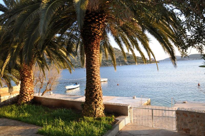 A3 Sunny Apartment with Balcony and Sea View - A3 Sunny Apartment with Balcony and Sea View - Rogoznica - rentals