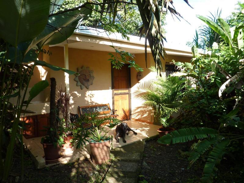 """Pete's La Niña """" Comfy Manuel Antonio Cottage"""" - Comfy Manuel Antonio Cottage - Manuel Antonio National Park - rentals"""