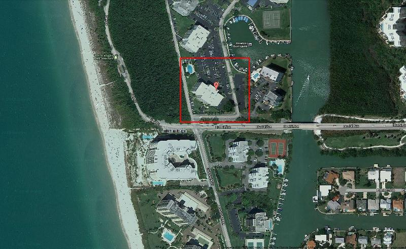 Building location close to Delnor Wiggins Park and Gulf Shore Blvd across beach entrance - Naples Vanderbilt beach doorstep condo / studio - Naples - rentals