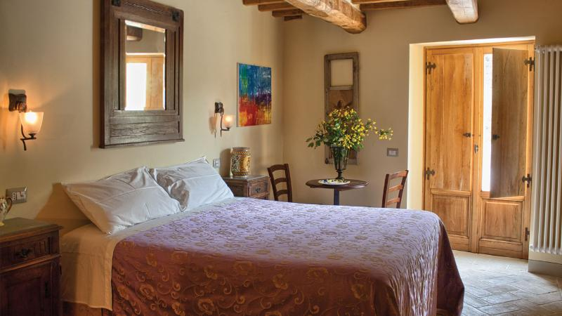 yellow room - 4 Bedroom Tuscan Farmhouse at Agriturismo il Capannino - Pieve Santo Stefano - rentals