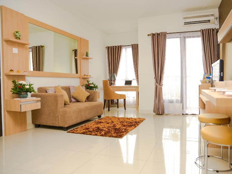 Living Room - Luxury Apartment in the Heart of Jakarta - Jakarta - rentals