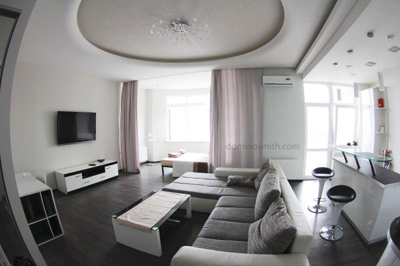 Apartment in the center with a sea view - Image 1 - Odessa - rentals