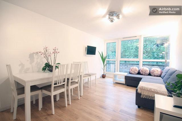 Living/Dining Area - Central 'Eurostar' 3 Bedroom Apartment - London - rentals