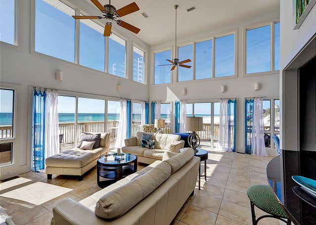 Living Room w/ Vaulted Ceilings - OVER THE RAINBOW B, GULF FRONT PRIVATE BEACH SLEEPS 6 !!!! - Miramar Beach - rentals