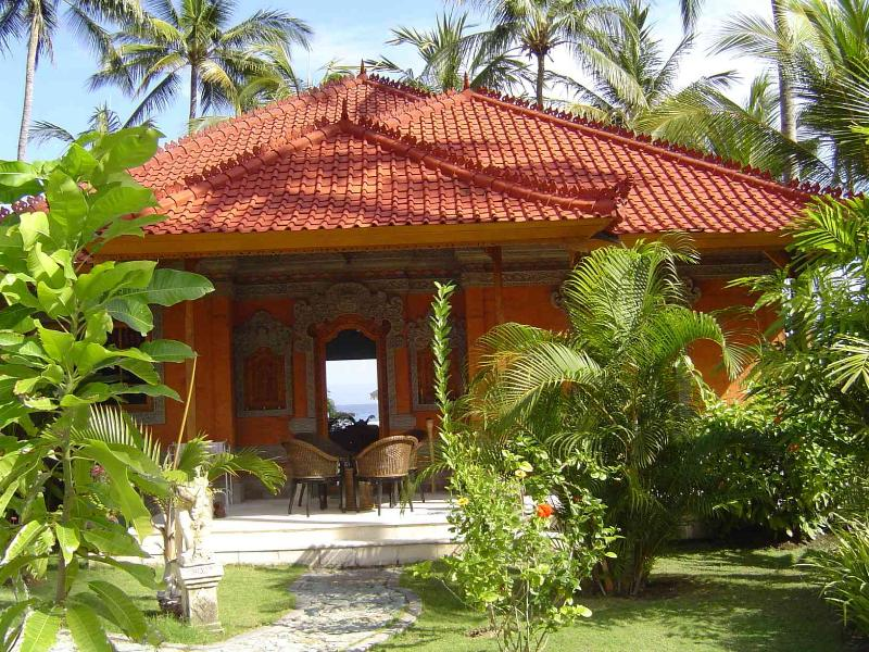 Entrance - Bali - Luxurious see fronted villa with laguna shaped private pool - Karang Bolong - rentals