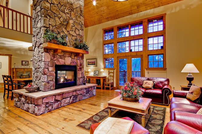 Mountain Lodge at Snowshoe - just 3 miles to town - Image 1 - Breckenridge - rentals