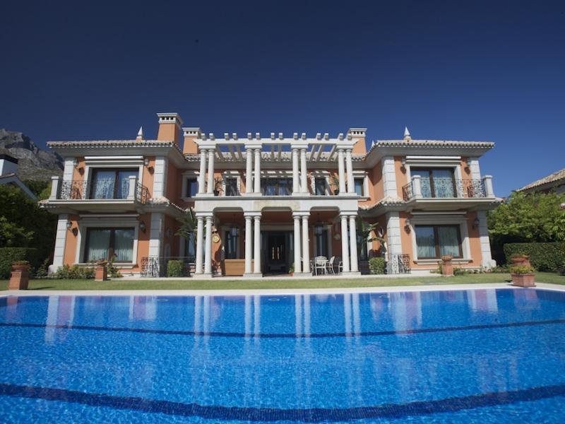 Villa Sierra Blanca - Image 1 - Marbella - rentals