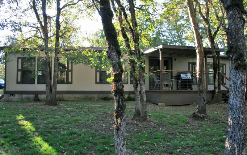 The Ranch House on 5 private acres! - The Ranch House on 5 acres.. close to Jacksonville - Jacksonville - rentals