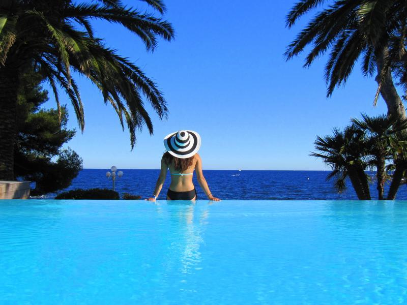 La Villa Mauresque, sea front property - Image 1 - Boulouris - rentals