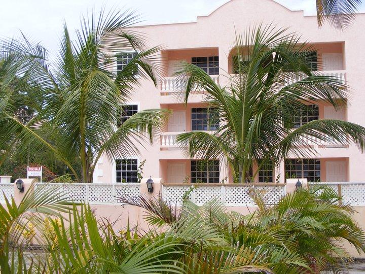 Lovely Condo 2 min from Beach in sunny Barbados - Image 1 - Maxwell - rentals