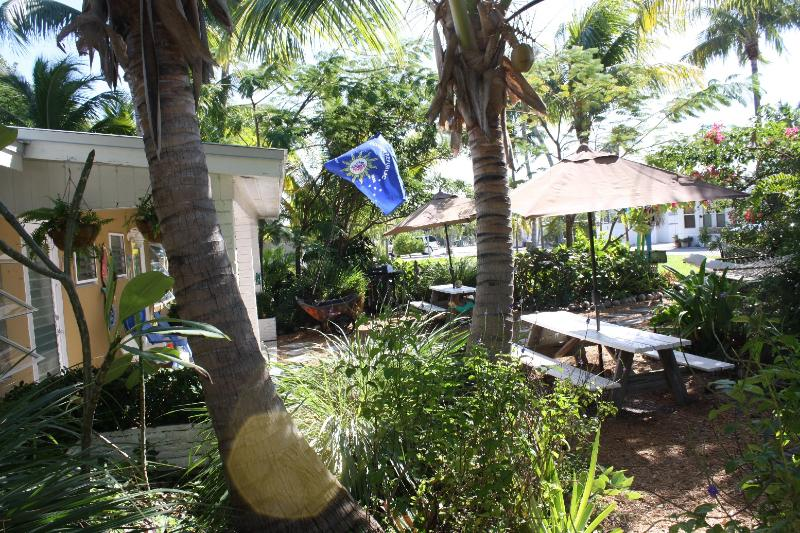 Front yard shared only by units 9 and 10 - Duplex with 2 Efficiencies located 50 yards from ocean $750 -$875/week, Unit 10 - Grassy Key - rentals