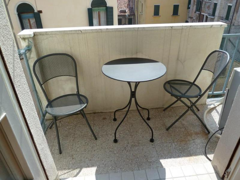 terrace - Elegant apartment with terrace canal view - Venice - rentals