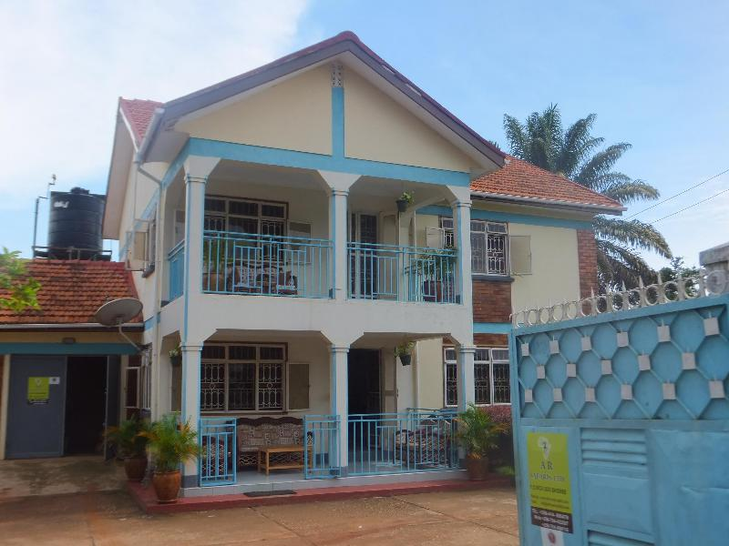 Main house - African Roots Guesthouse - Kampala - rentals